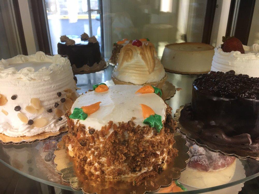 Mondello Bakery: 771 Montauk Hwy, Bayport, NY