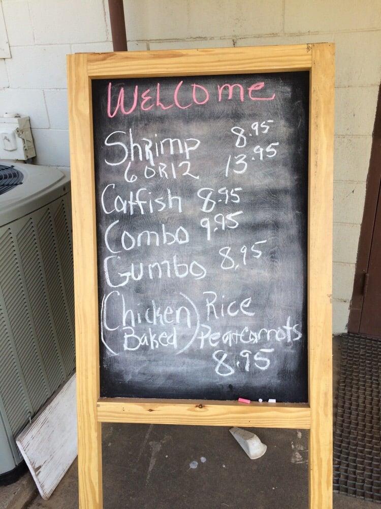 Cattleman's Country Cafe: Hwy 7 W, Crockett, TX