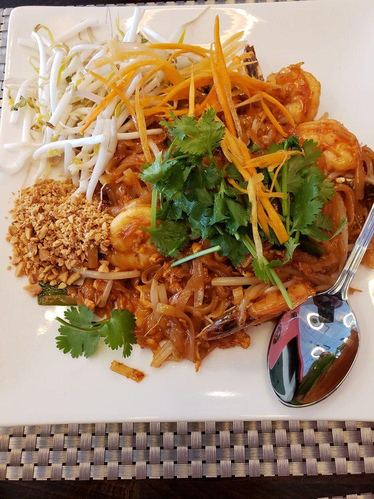 Ponsawan Thai Cuisine: 16566 N Washington St, Thornton, CO