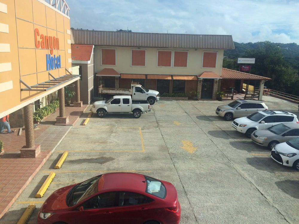 Canyon Hotel: Carretera 719 Km 1.6, Aibonito, PR