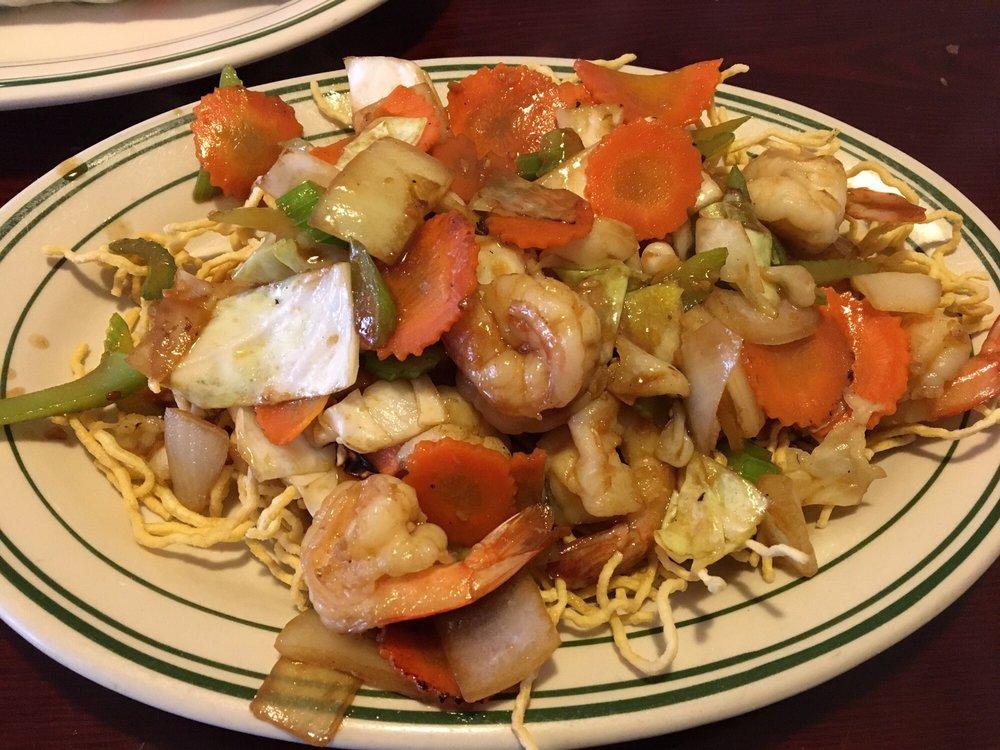 Valerie's Asian Cuisin: 106 Wildwood Rd, Willernie, MN