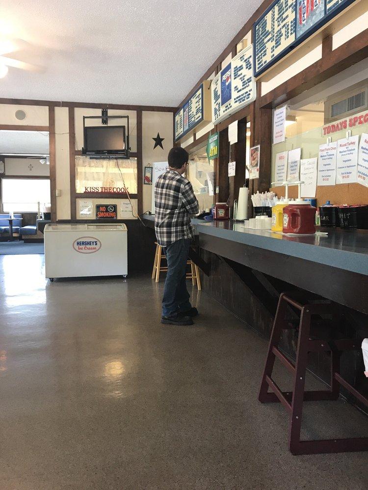 Twin Kiss Restaurant: 2495 N Eagle Valley Rd, Howard, PA
