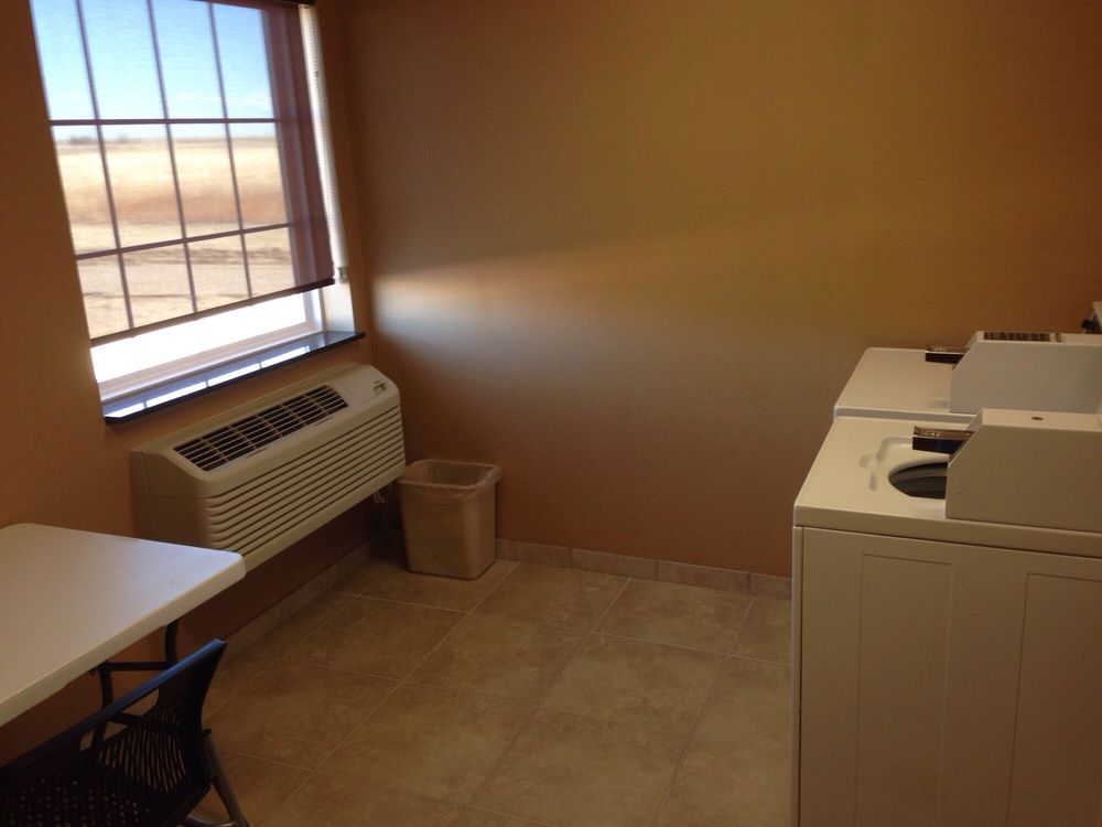 Cobblestone Inn & Suites - Eads: 501 E Lowell Ave, Eads, CO