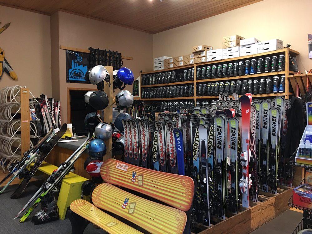 Adventure Ski Rentals & Ski Wear: 1337 Paseo Del Pueblo Sur, Taos, NM