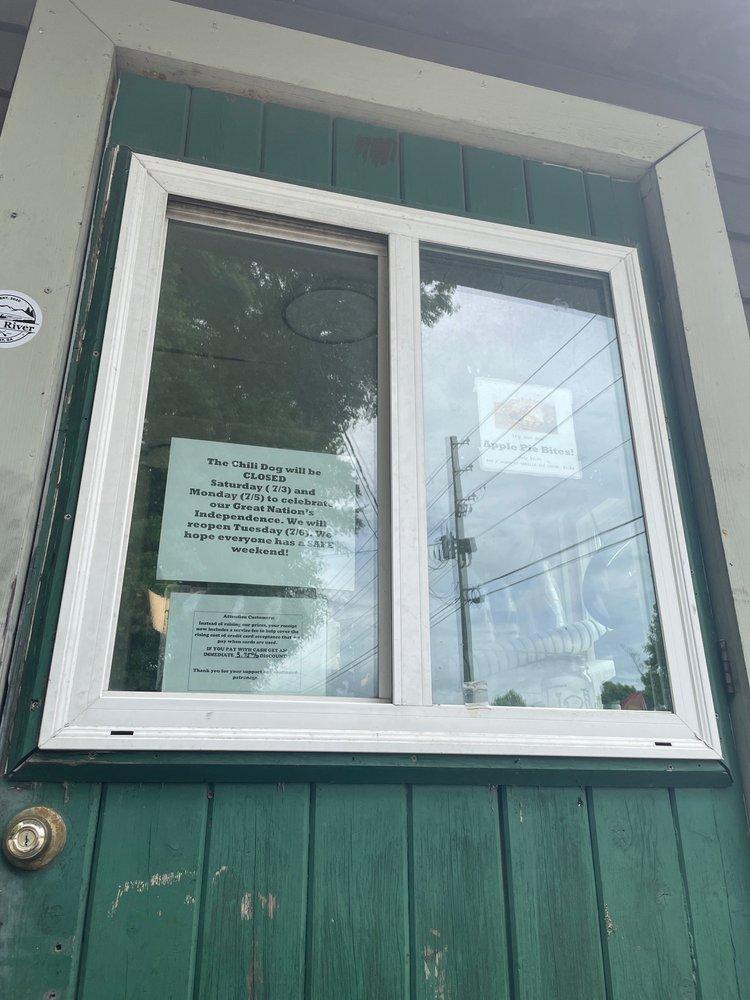 Chili Dog: 962 Industrial Blvd, Ellijay, GA