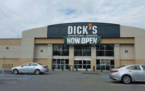 6d6df8b5fbf8 DICK S Sporting Goods 7325 Woodhaven Blvd Glendale