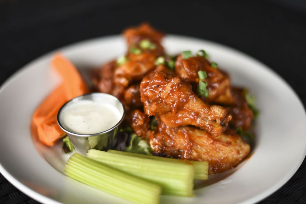 Gilroy's Kitchen + Pub + Patio: 1238 8th St, West Des Moines, IA