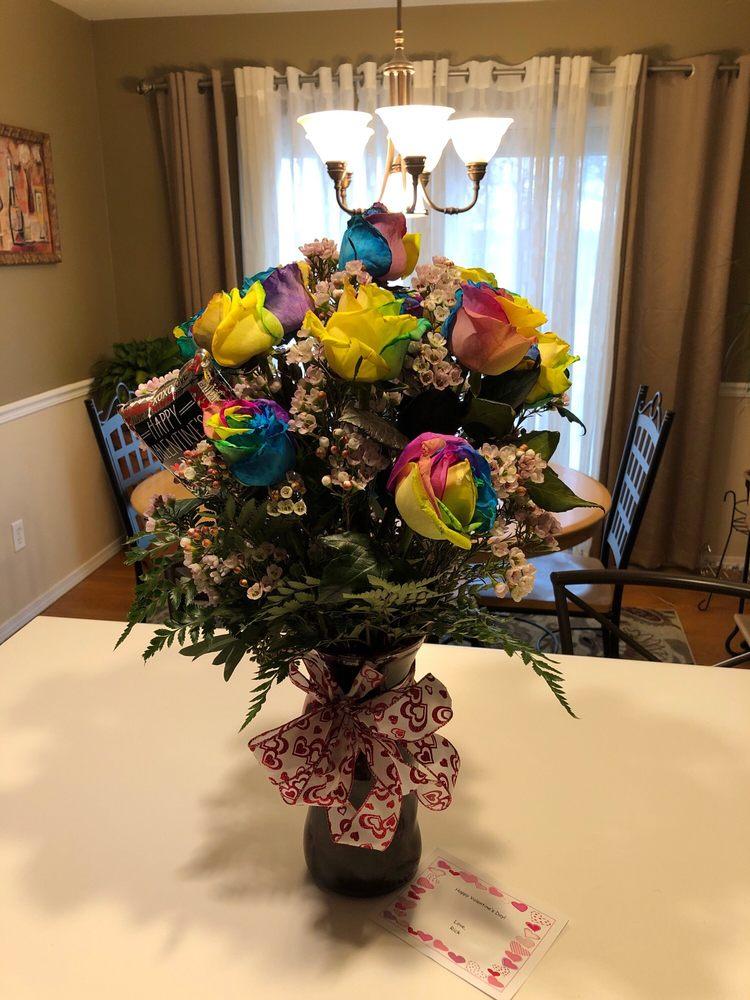 Petals Boutique Flowers: 1076 Joliet St, Dyer, IN