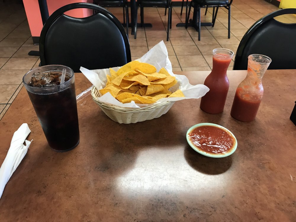 Fiesta Tapatia: 630 Cheraw St, Bennettsville, SC