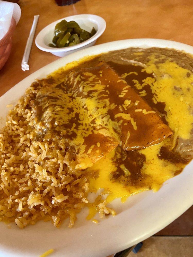 Jose's Mexican Restaurant: 901 W Clayton St, Dayton, TX