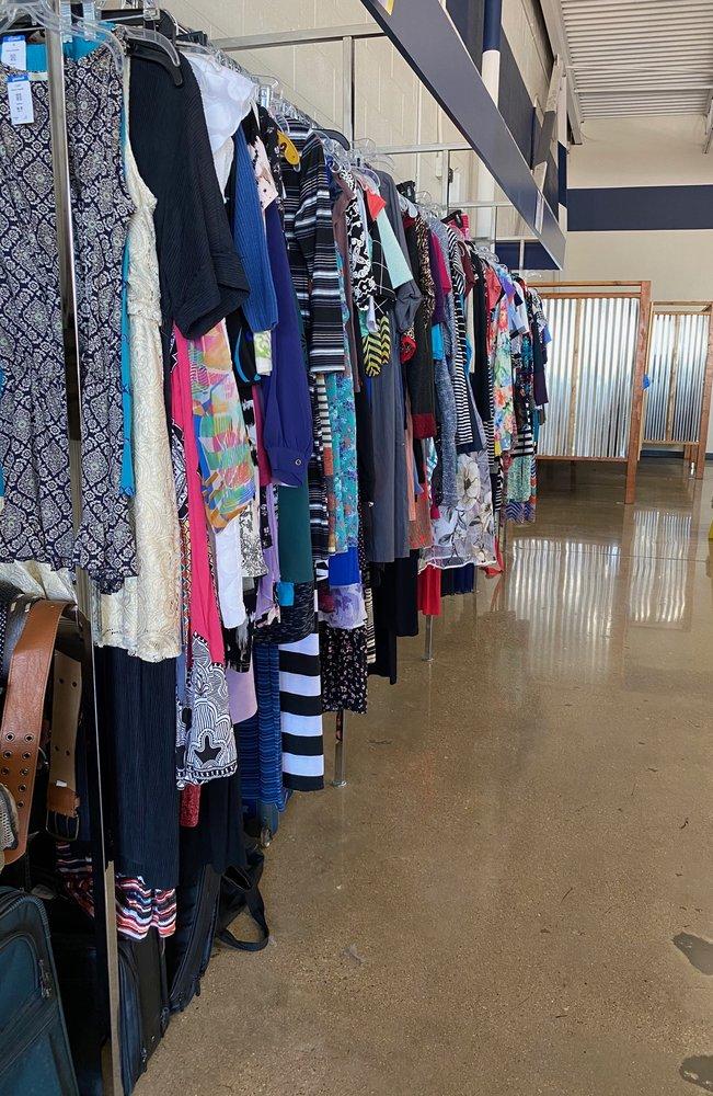 Goodwill Store - Benbrook: 8502 Benbrook Blvd, Benbrook, TX