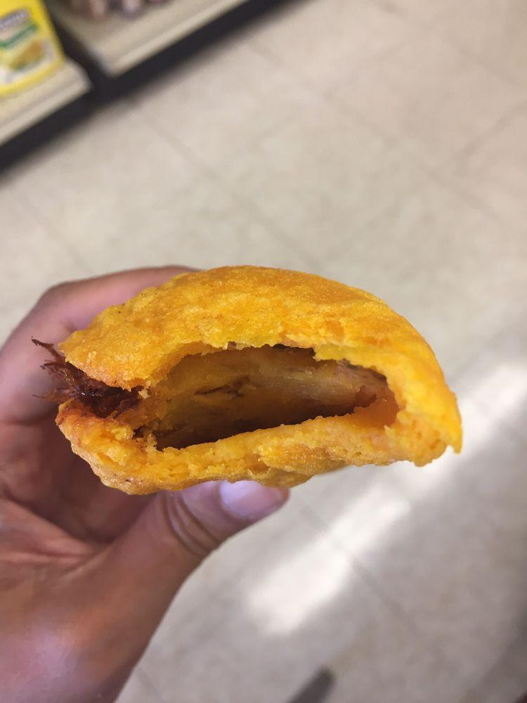 Spanish Wholesale Center: 760 Dexter St, Central Falls, RI