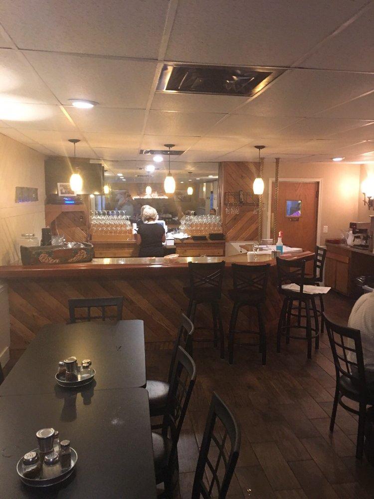 Amici Italian Grille: 1006 Walnut St, Berwick, PA
