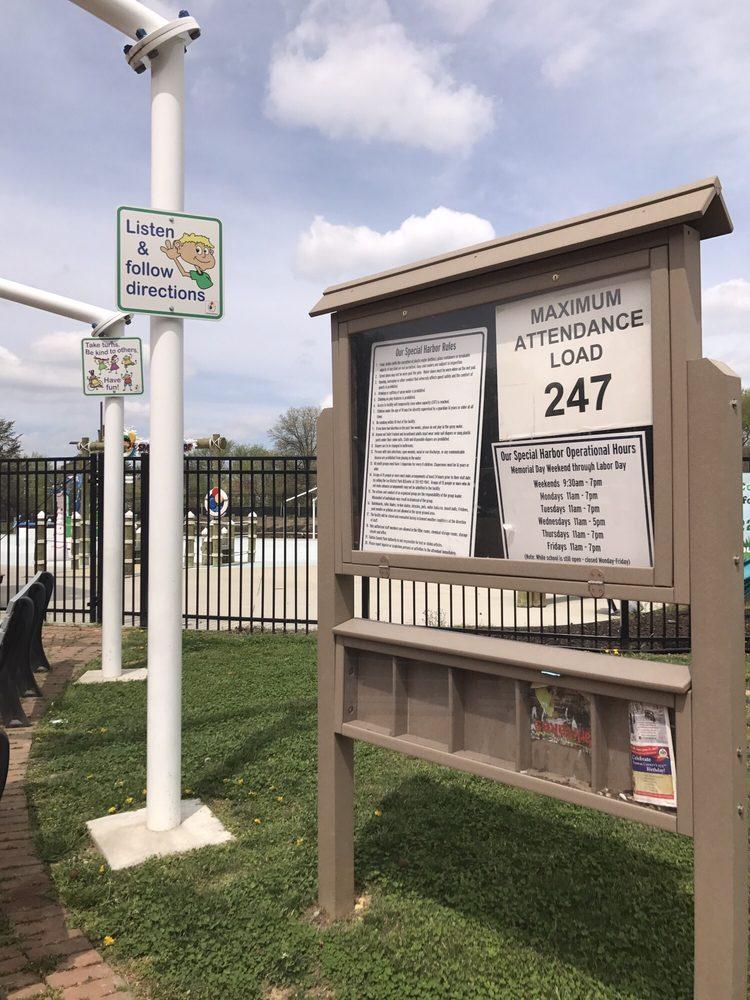 Our Special Harbor Spray Park: 6601 Telegraph Rd, Alexandria, VA