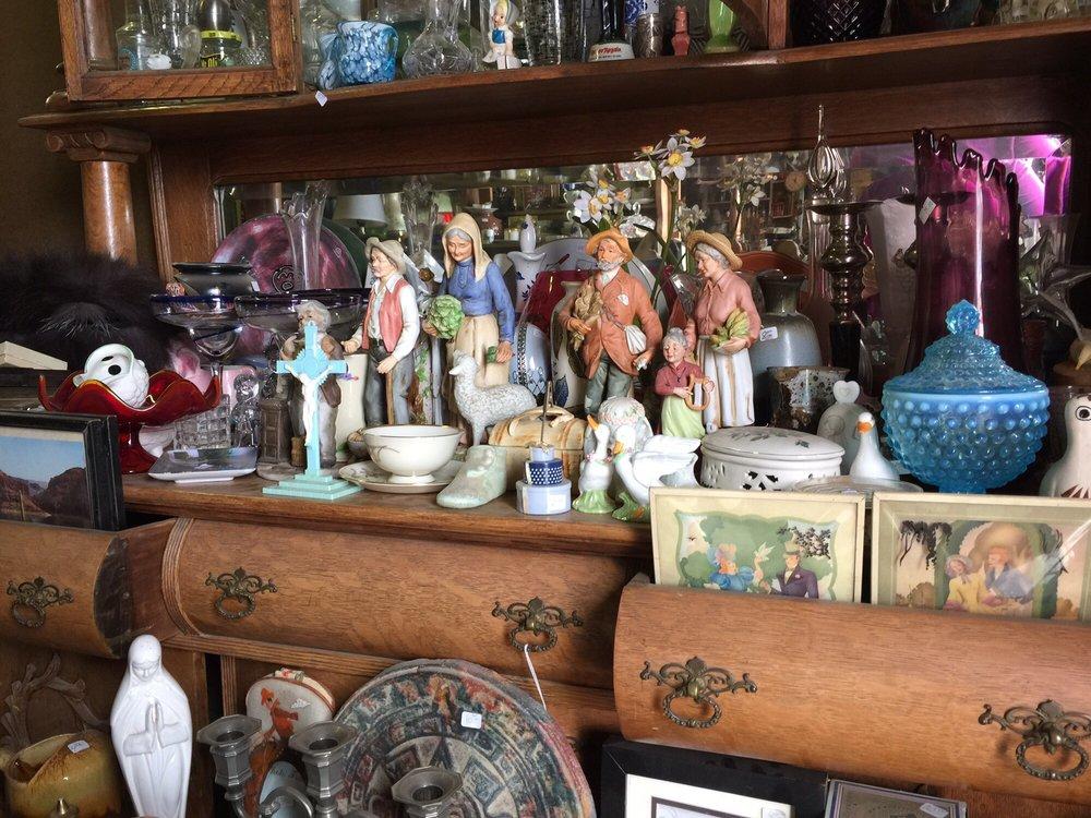 Rustic Relics: 200 W 11th St, Quanah, TX
