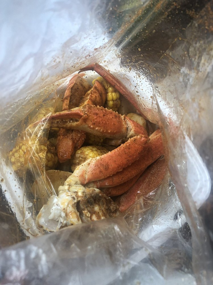 Pan's Seafood Market: 1250 Schadt Ave, Whitehall, PA
