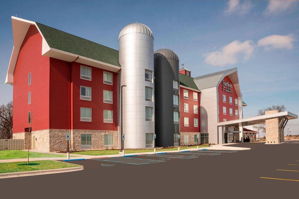 Fairfield Inn & Suites by Marriott Fair Oaks Farms: 708 N 600th E, Fair Oaks, IN