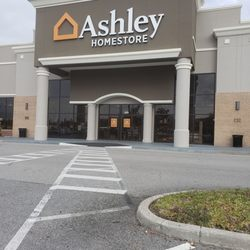 Ashley Homestore 42 Photos 87 Reviews Furniture Stores 829 N
