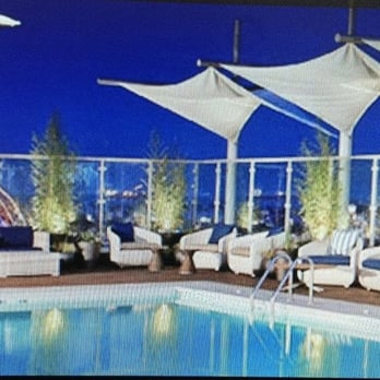 Rooftop 360 swimming pools 285 bay st long beach ca for Affordable rooftop pools nyc