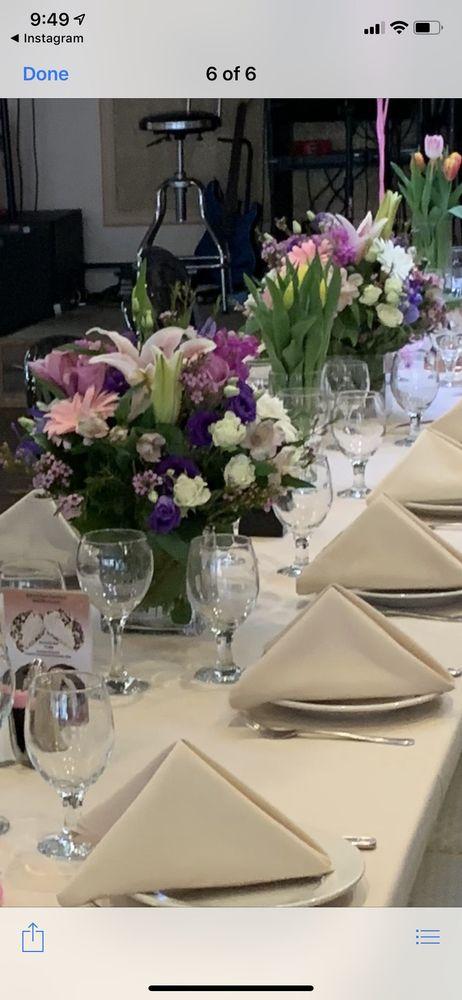 Bellmore Florist, Inc The Petite Florist: 2701 Pettit Ave, Bellmore, NY