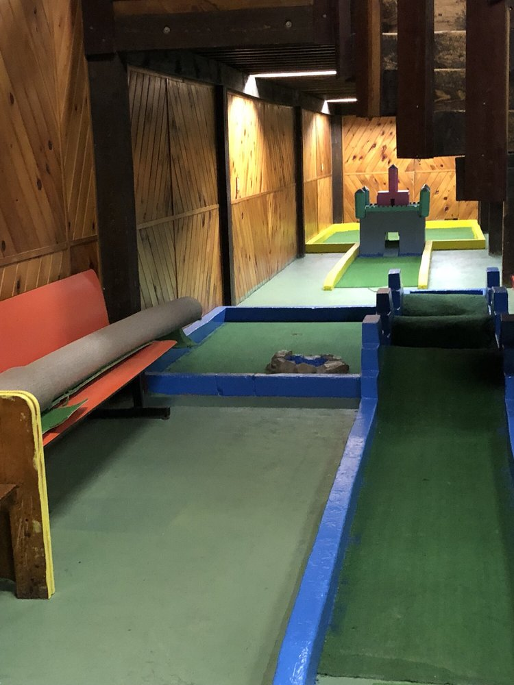 Cove Bowling and Entertainment: 109 Stockbridge Rd, Great Barrington, MA