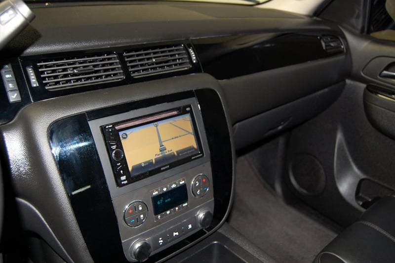 piano black interior trim with touch screen navi 2011 tahoe yelp. Black Bedroom Furniture Sets. Home Design Ideas