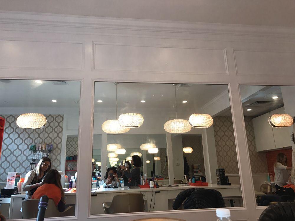 Hott Blowdry and Beauty Lounge: 402 Main St, Armonk, NY