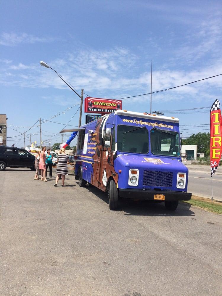 Roaming Buffalo 34 Photos 29 Reviews Food Trucks Downtown