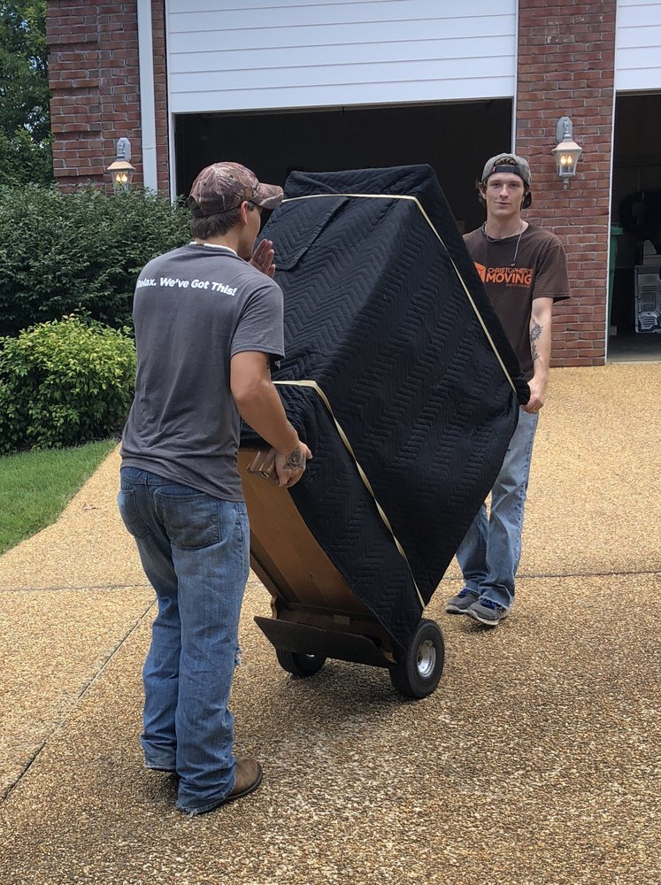 Christopher's Moving & Storage of Tupelo: 1018 N Gloster St, Tupelo, MS