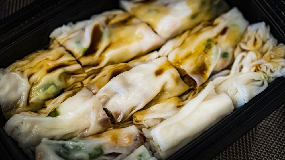 Food from Steam Box Rice Roll