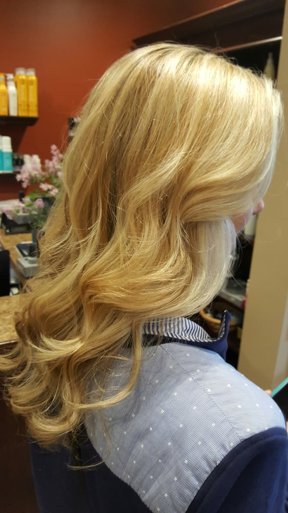 Kreations by laurie 11 photos hair salons 85 park rd for A kreations salon
