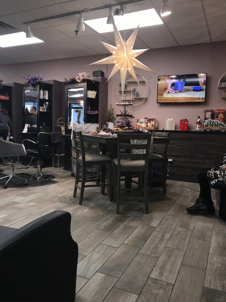 Salon 707: 707 Quaker Ln, West Warwick, RI