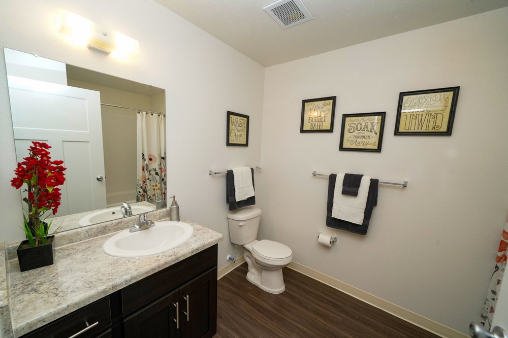 Copper Creek Apartment Homes: 10850 Copper Creek Trl, Maize, KS