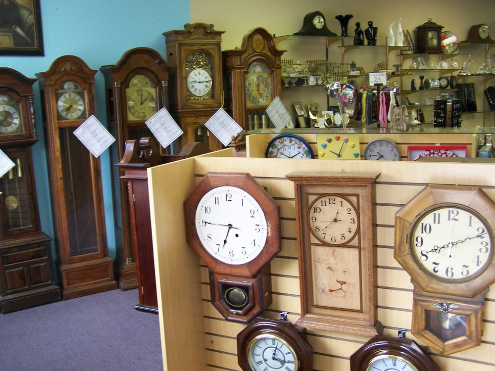Wall Clocks Sometimes Incorrectly Referred To As Grandmother Clocks