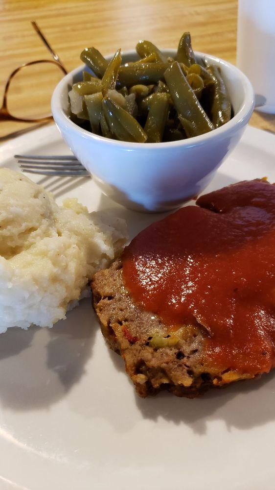 Home Plate Family Restaurant: 656 Bypass Rd, Brandenburg, KY
