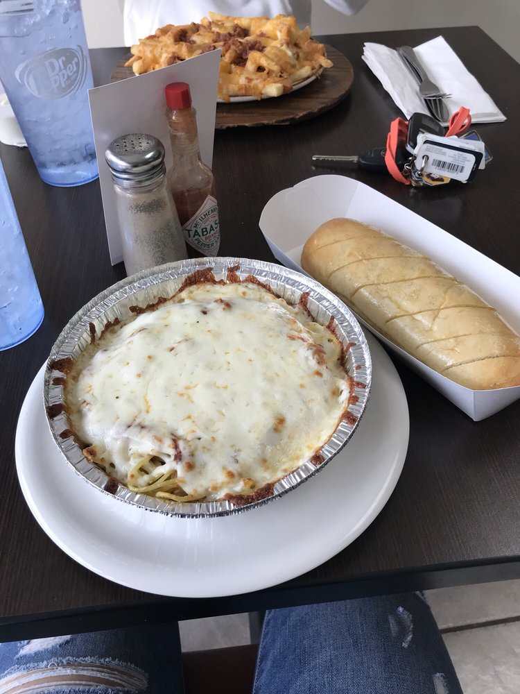 Pasquales Pizza & Pasta: 182 E Main St, Morehead, KY