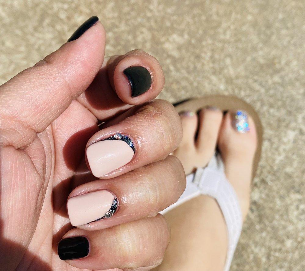 Royal Nails: 809 W Roseburg Ave, Modesto, CA