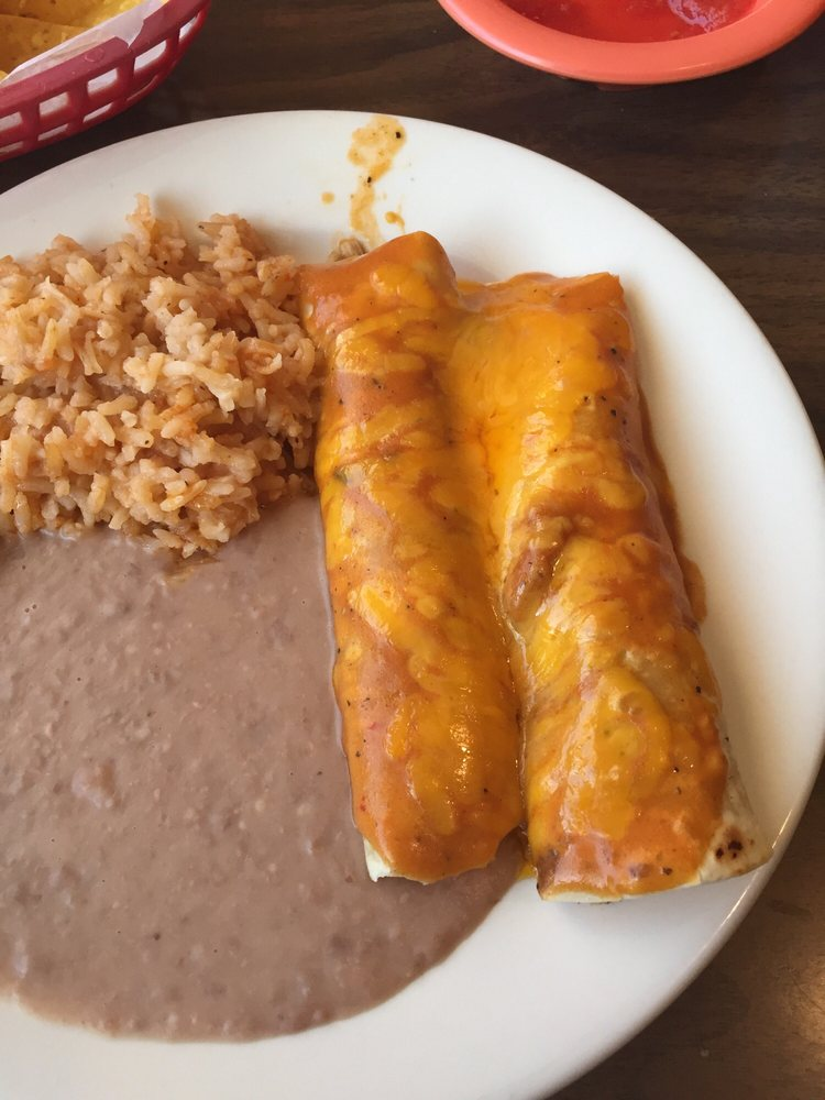 Ranchito Cafe: 301 W Santa Fe Trail Blvd, Lakin, KS