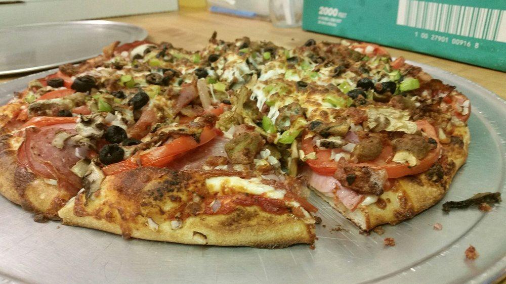 Mason's Pizza: 22184 Hwy 299 E, Bella Vista, CA