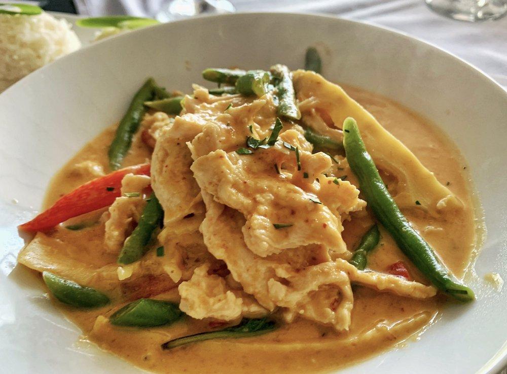 Thai Ginger Bistro: 1619 W College Ave, Appleton, WI