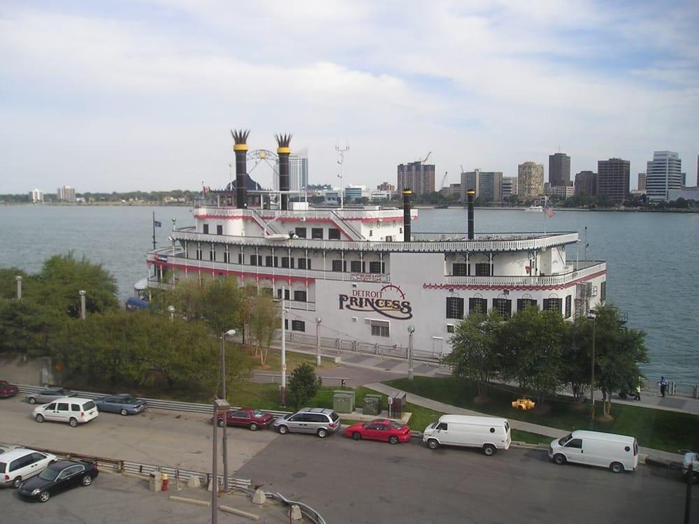 Detroit Restaurants Near Cobo Hall