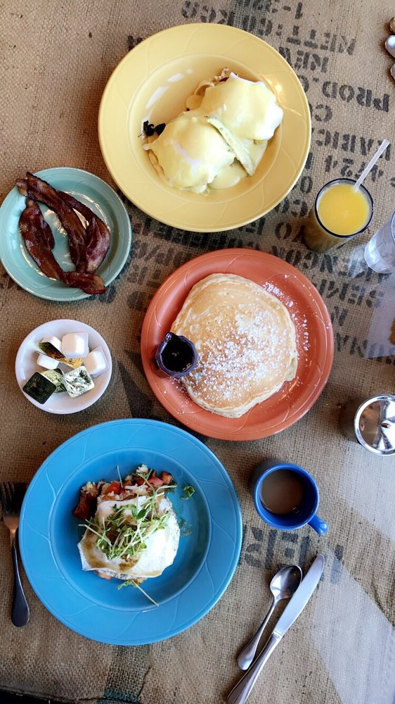 Riverhouse Cafe: 167 Union Square, Milford, NH