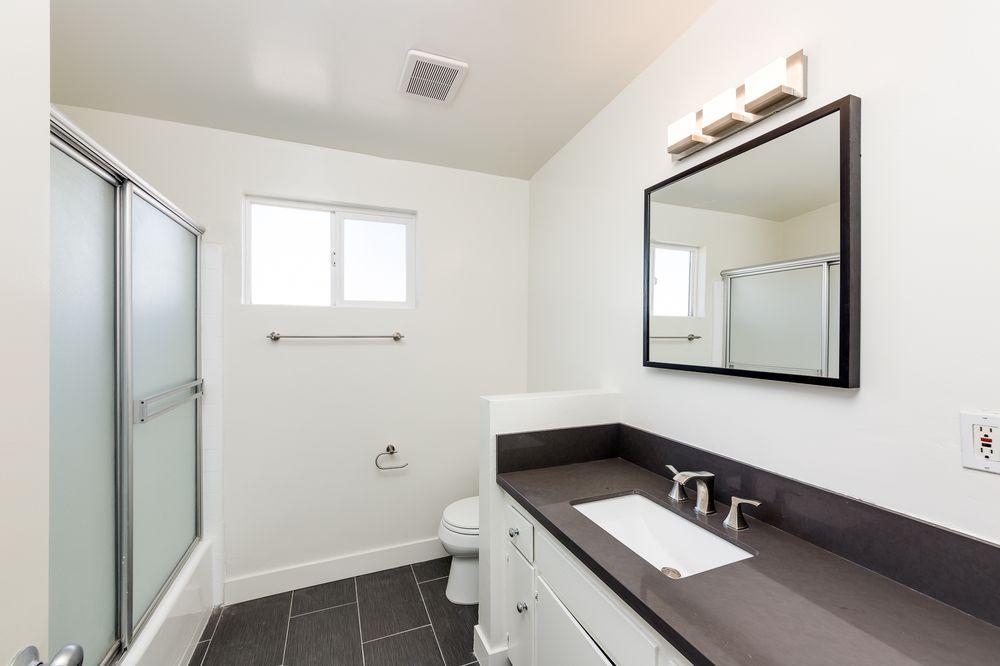 Venice beach bathroom remodel yelp for Bathroom remodeling venice fl