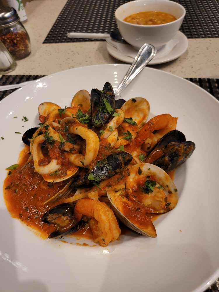 Cucina Italiana Dania Beach : 17 S Pointe Dr, Dania Beach, FL