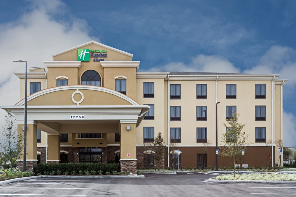 Holiday Inn Express & Suites Orlando East-Ucf Area: 12250 East Colonial Dr, Orlando, FL