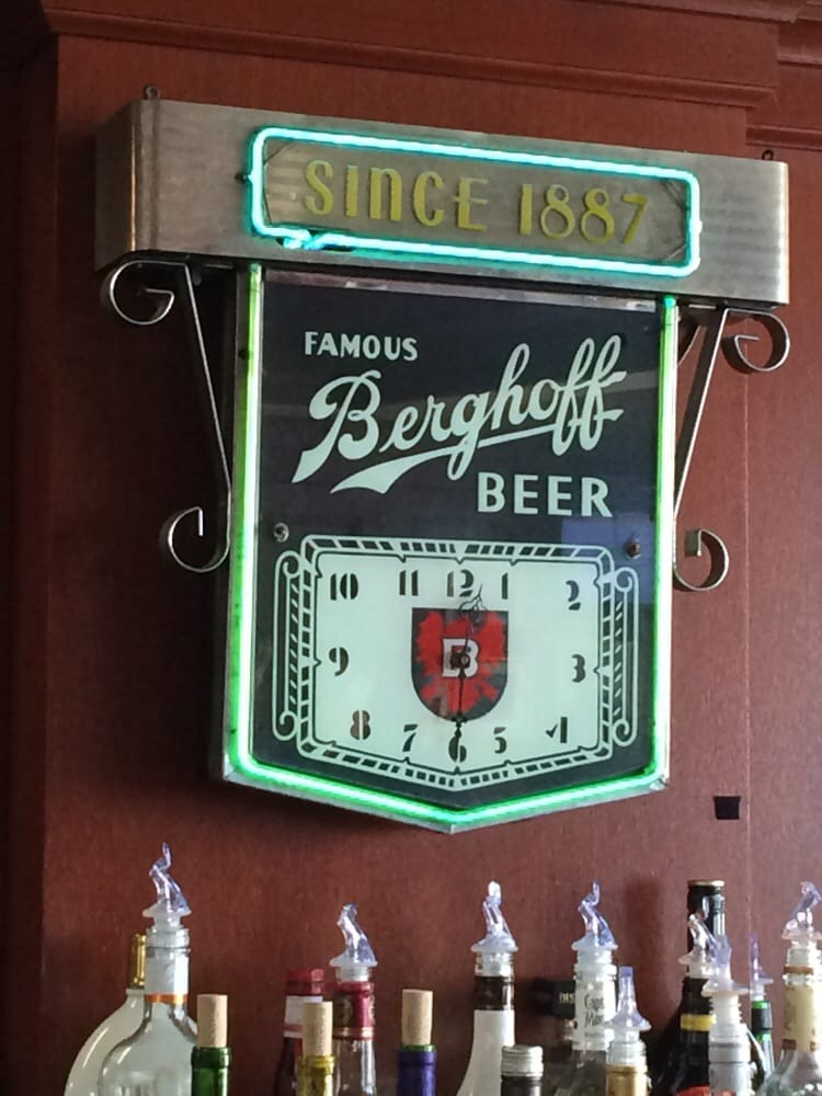 Chicago Ohare Berghoff Cafe