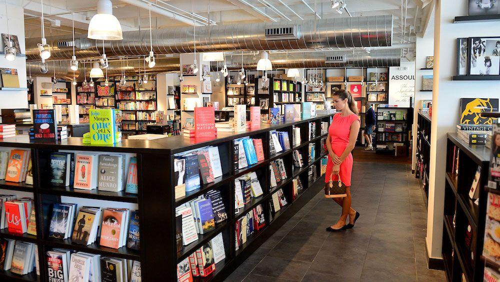 Books & Books: 9700 Collins Ave, Bal Harbour, FL