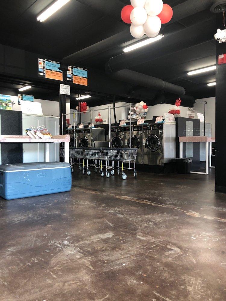 Well Wishing Laundry Mat/Drop & Fold: 951 East Pkwy, Gatlinburg, TN