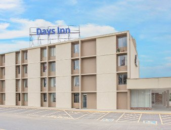 Days Inn by Wyndham Princeton: 2238 North Main Street, Princeton, IL