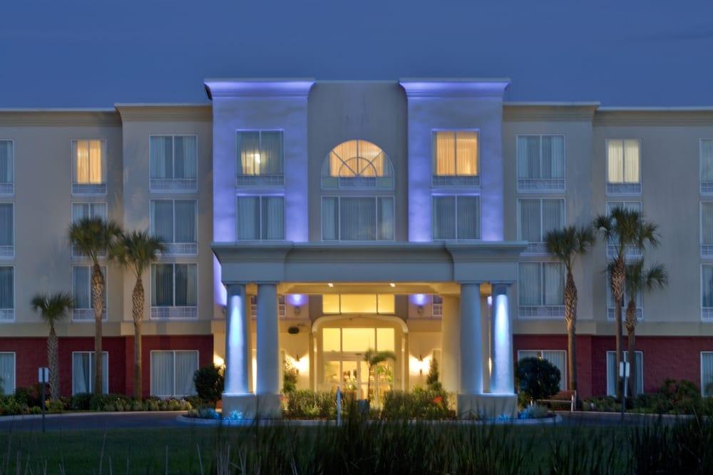 Holiday Inn Express & Suites Arcadia: 2709 SE Hwy 70, Arcadia, FL